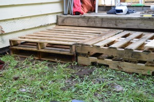 Layering the pallets.